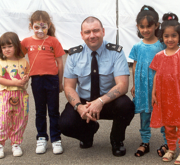 Children with Police in Watford.